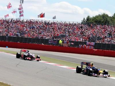 Lewis Hamilton chasing down Mark Webber