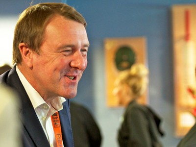 Phil Tufnell stars as one of the team captains