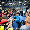 Murray edges closer to season finale at The O2