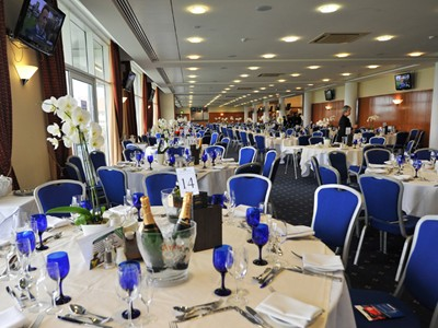 Enjoy the best horse racing corporate hospitality
